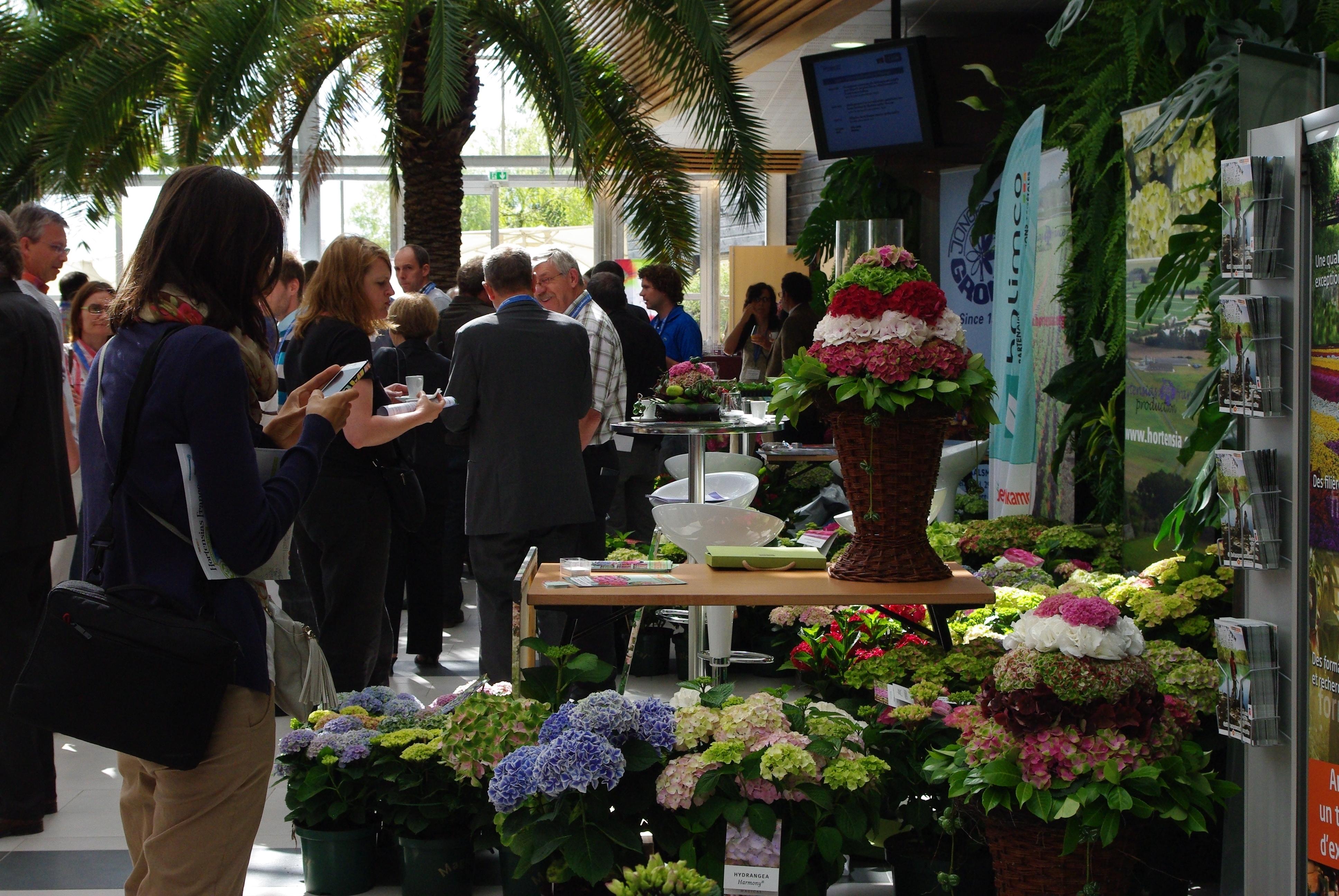 Participants : scientifiques, sélectionneurs, obtenteurs, producteurs, parcs et jardins, paysagistes, journalistes.
